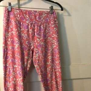 Pretty pink floral LuLaroe OS leggings